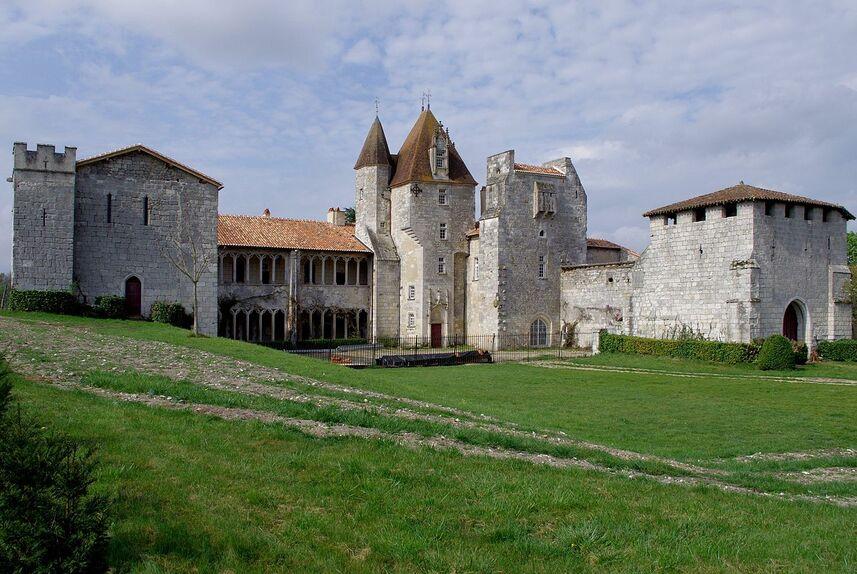 Nonac La Léotardie1 NE 2012.JPG