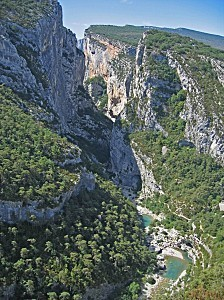 Gorges du Verdon 09 Belv d re de Mayreste.sized