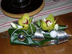 acier et orchidée