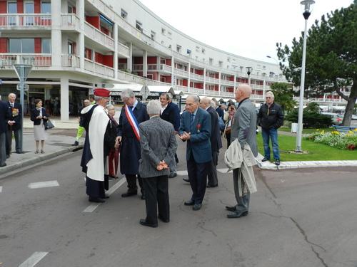 * Cérémonie du 70e anniversaire de la libération de Royan