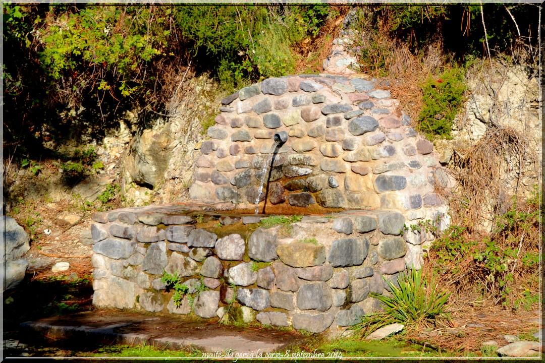 Pèle mèle - Fontaine - Route d'Asco - Haute-Corse