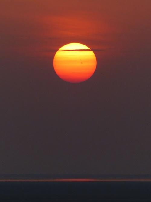 coucher de soleil sur notre modeste campement