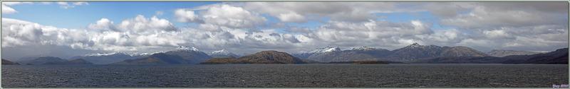 Panorama lors de la navigation dans un des divers canaux entre le détroit de Magellan et le Cap Horn - Patagonie - Chili