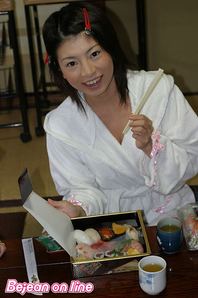 WEB Gravure : ( [Bejean On Line] -   2005.11 水娘伝   Yurina Inoue/井上ゆりな )