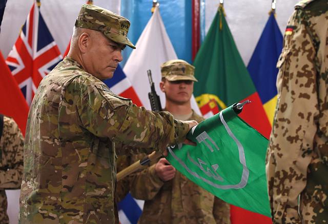 A Kaboul, la force de combat de l'OTAN fait ses adieux