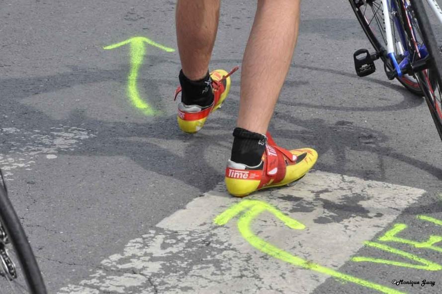 DSC8355-chaussures-jaunes