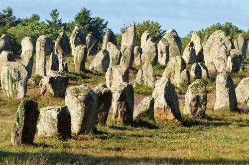 Dictée Histoire des arts: Dolmens et menhirs