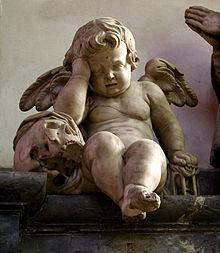 220px-Tombeau du chanoine Lucas Amiens Ange pleureur130608