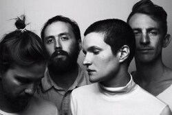 Big Thief fait la promo de son album Masterpiece
