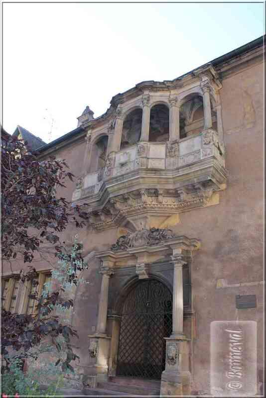 Alsace Haut-Rhin Colmar Corps de Garde portail et loggia