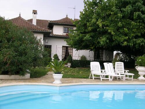 Location Chambre d'Hôtes bleue à Saint Nicolas de la grave - 82210-