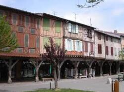 CES BEAUX VILLAGES DE L' ARIEGE MIREPOIX dans Beaux villages de l'Ariège _gzs0E8a4XgyK89mcrAhzzONoJQ@250x187