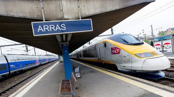 Un homme a été arrêté en gare d'Arras (Pas-de-Calais), vendredi 21 août 2015, après des coups de feu à bord d'un train Thalys.