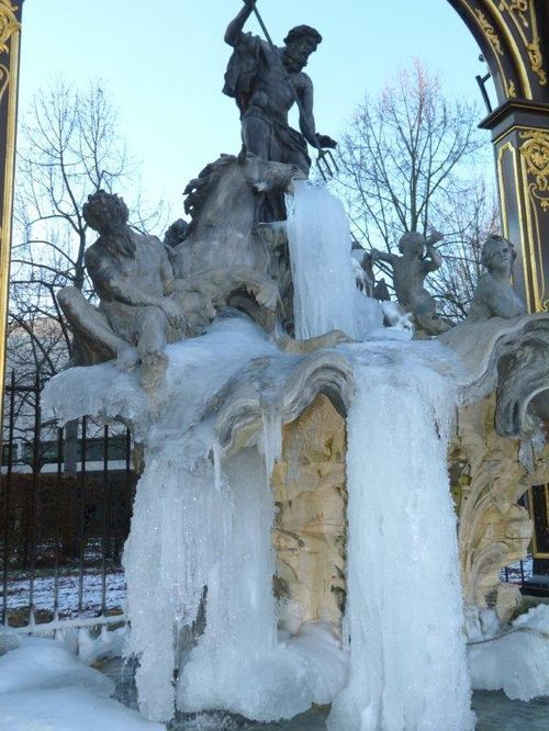 Ville de Nancy - Fontaine de la place Stanislas sous les glaces Proposé par @NathalieDeNancy