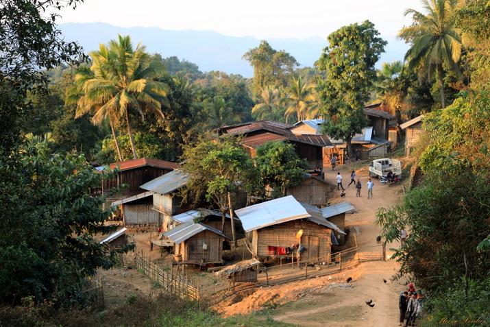 Arrivée au village khmou de Kiou Xang