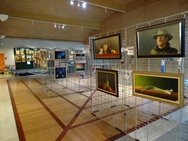 Le VIIIème salon des peintres des Amis du Châtillonnais a connu un grand succès !