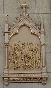 XI-Jésus cloué sur la croix