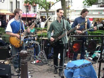 Get 2, en concert Place de la Contrescarpe en 2004