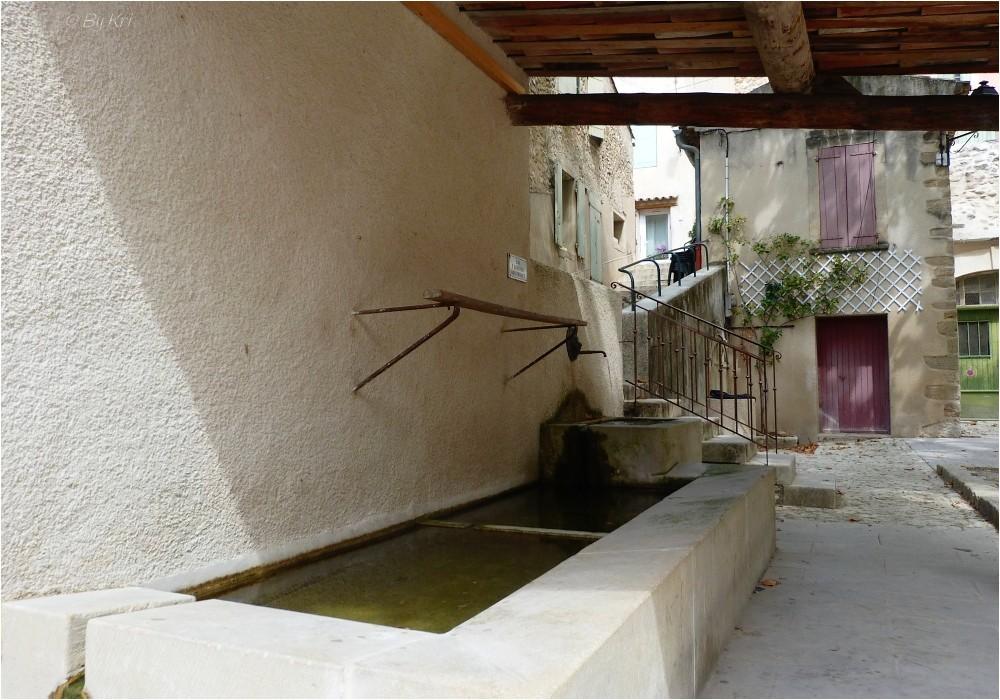 Cucuron (Fr-84) ~ Histoire d'eau ...