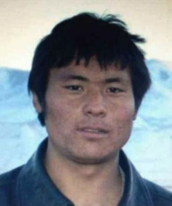 Lhamo Tseten, 24 ans s'est immolé à Labrang (Nord Est du Tibet) le 26/10/12