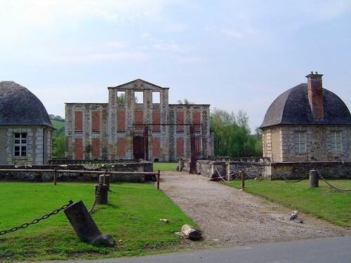 > MÉMOIRES / LIVRET III / CHAPITRE XI