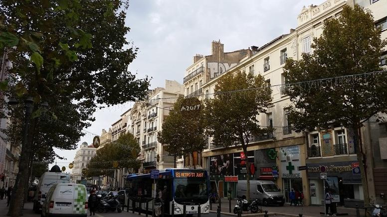MARSEILLE - Mamiekéké se promène autour du Vieux Port ...