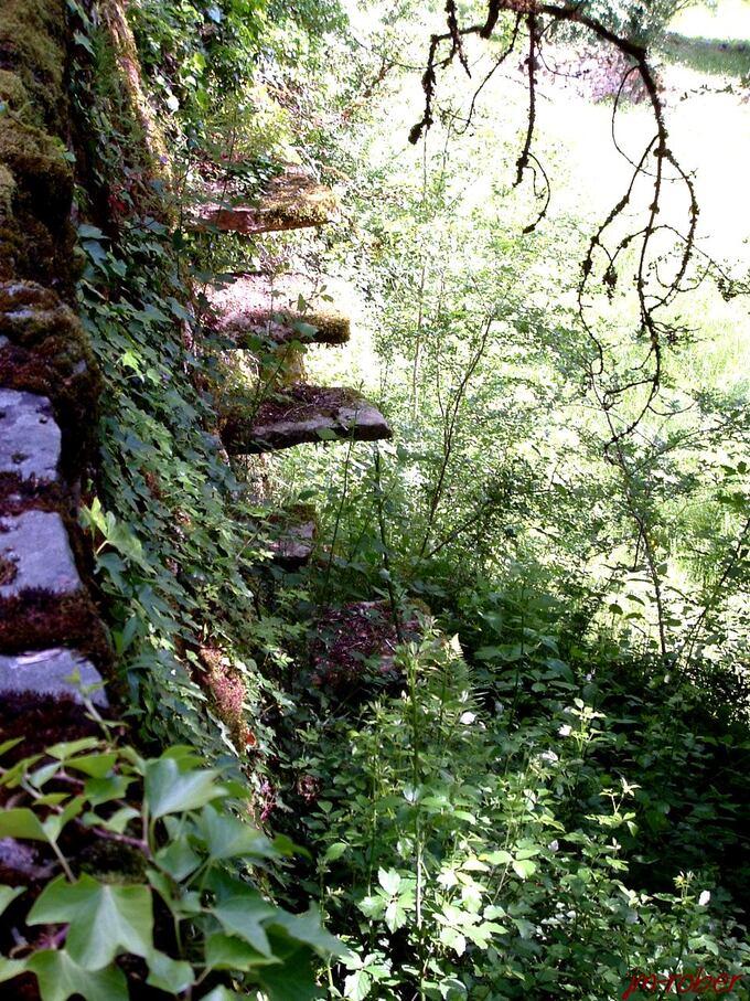 Limousin: Aubazines, une balade corrézienne dans une ville chargée d'histoire (3)