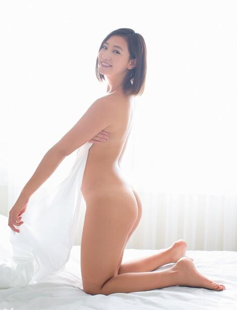 WEB Magazine : ( [FRIDAY Digital - Gravure] - |FRIDAY - 10/01/2020 - Ayaka Sayama : ありがとう!佐山彩香 ラスト写真集を独占先行公開| )