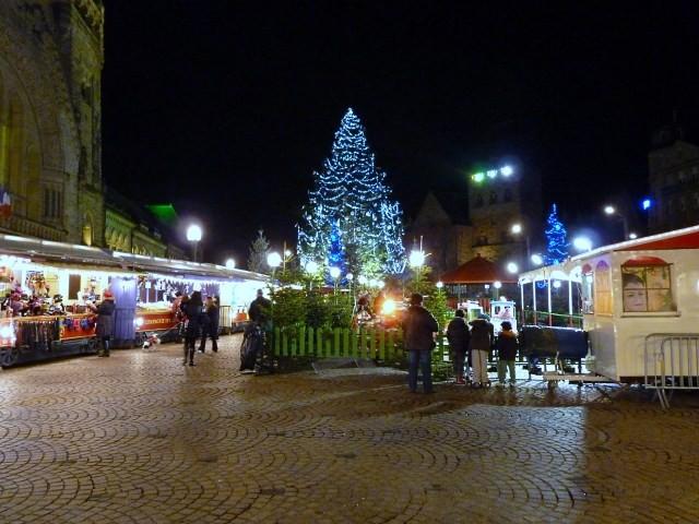 Noël à Metz le sapin et la crèche 18 mp1357 2010