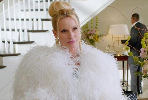 Nicollette Sheridan dans Dynastie.