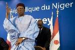 """Niger: l'opposition accuse M. Tandja de vouloir """"suspendre"""" la Constitution"""