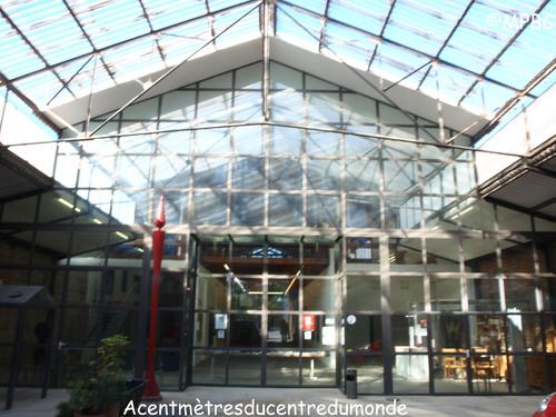 Acentmètreducentredumonde: La galerie de Perpignan.