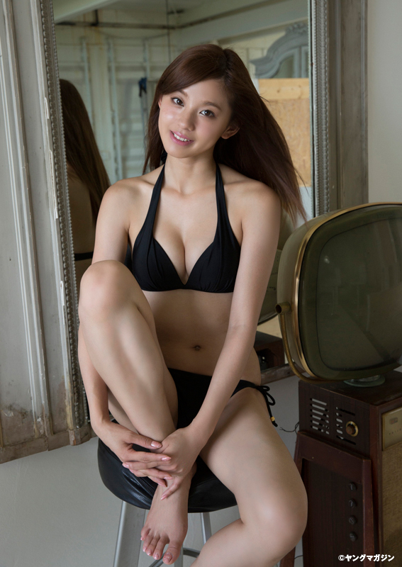 Aya Asahina 朝比奈彩 Young Magazine ヤングマガジン 2015 No 44 01