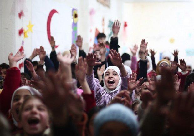 Une fête pour enfants organisée par le Croissant-Rouge dans un centre d'aide psychologique à Douma, le 27 novembre 2014 (AFP / Abd Doumany)