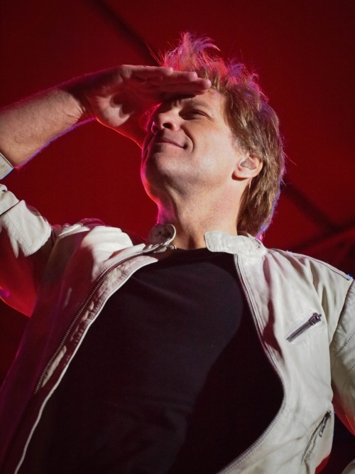 Jon Bon Jovi & the Kings of Suburbia Play a Pool Party for microsoft SharePoint 13 Novembre 2012