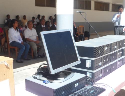 TOHAN'AINA FRANCE : Remise de matériels informatiques et livre ...