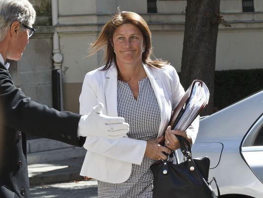 La ministre de la mobilité belge, Jacqueline Galant, en août 2015. Accusée d'avoir négligé la question de la sécurité des aéroports, elle a démissionné vendredi 15 avril, quelques semaines après les attentats de Bruxelles du 22 mars.