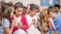 Comment prier avec et pour les enfants
