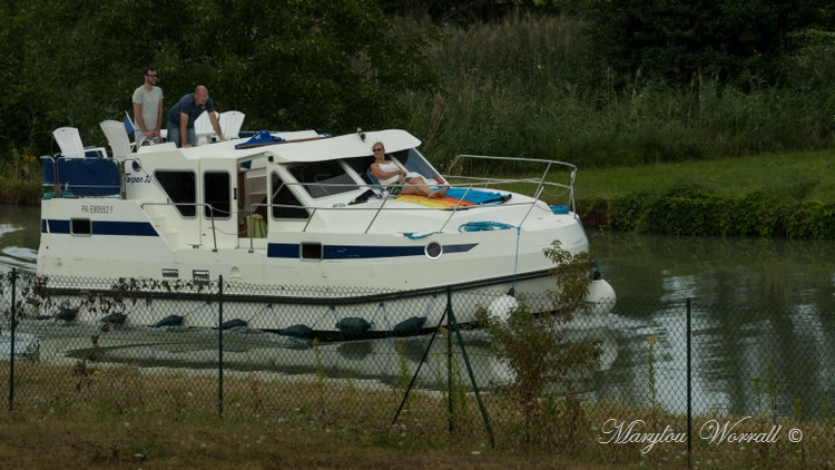 Souffelweyersheim (67) : Embarcations sur le canal