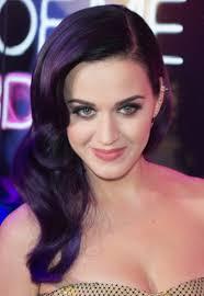 Katy Perry revient sur le devant de la scène musicale