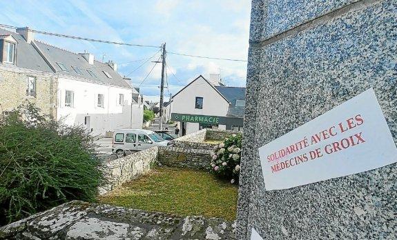 La maison de santé à Groix accueille de nombreux professionnels de santé mais plus de médecins titulaires depuis cet été .
