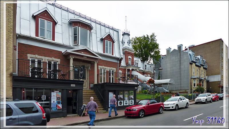 Balade pédestre dans les ruelles du Vieux Québec - Canada