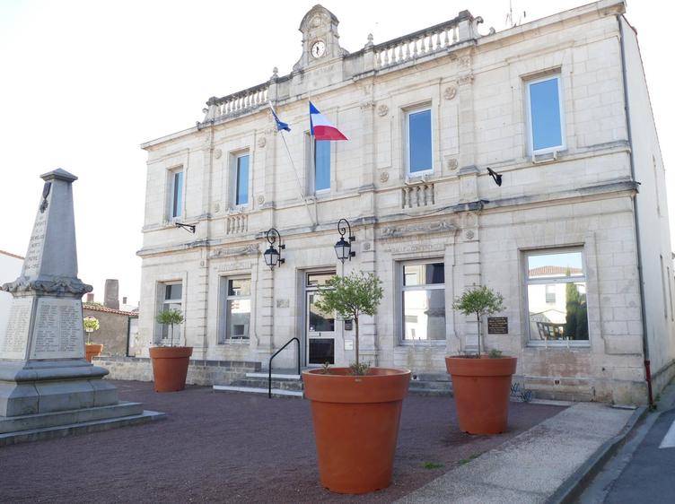"""Résultat de recherche d'images pour """"La Tremblade mairie"""""""