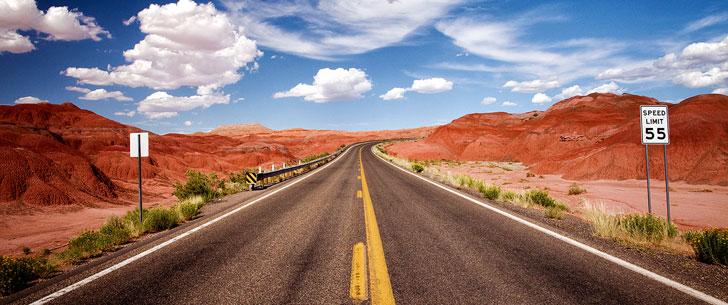 10 000 personnes ont construit une route de 600 kilomètres en une heure !