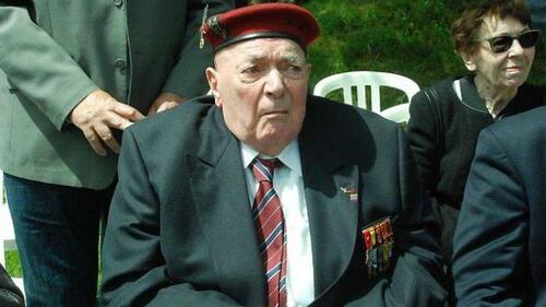 """""""Alain Papazow nommé officier de la Légion d'honneur """""""