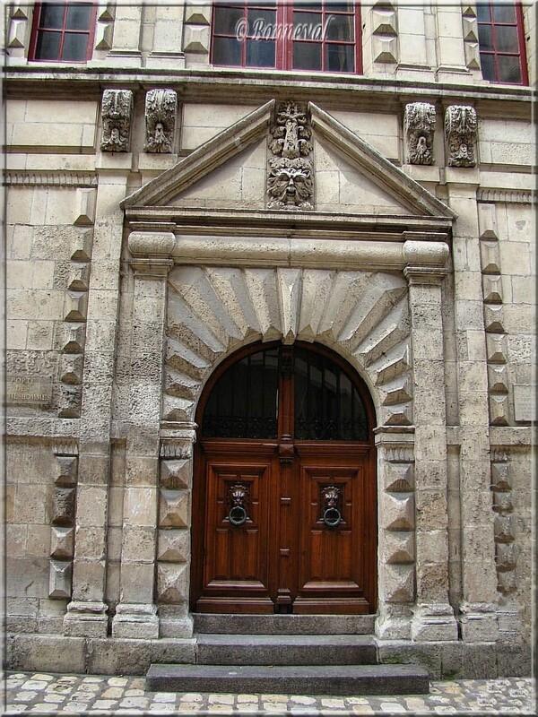 La Rochelle Porte à bossages Porte des Gentilshommes Hôtel de Ville Charente-Maritime