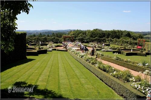 Les Jardins du Manoir d'Eyrignac Dodogne le Jardin Blanc