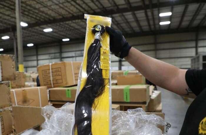 Etats-Unis : saisie de cheveux humains conditionnés dans des camps de travail chinois