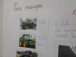 """Deux exposés """"Les bateaux"""" et """"L'agriculture""""."""