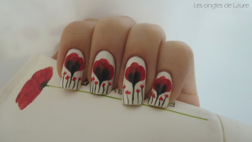 Nail Art coquelicots (Flower by Kenzo)